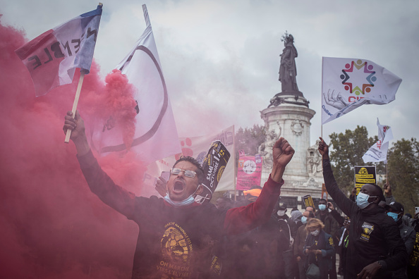 Diminishing Perspective「Nationwide Migrant March On Paris In Mass Protest」:写真・画像(14)[壁紙.com]
