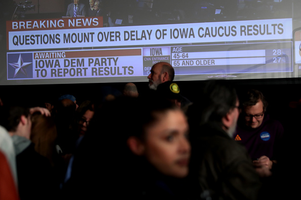 Iowa「Sen. Bernie Sanders Hosts Watch Party On Night Of Iowa Caucus」:写真・画像(2)[壁紙.com]