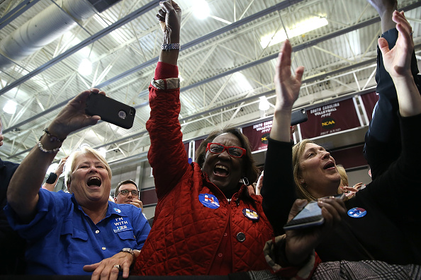 Justin Sullivan「Hillary Clinton Hosts Primary Night Event In Columbia, South Carolina」:写真・画像(9)[壁紙.com]