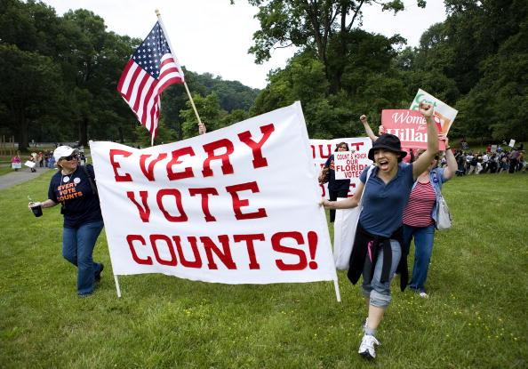 Joshua Roberts「DNC Holds Meeting On Seating Florida And Michigan Delegates」:写真・画像(12)[壁紙.com]