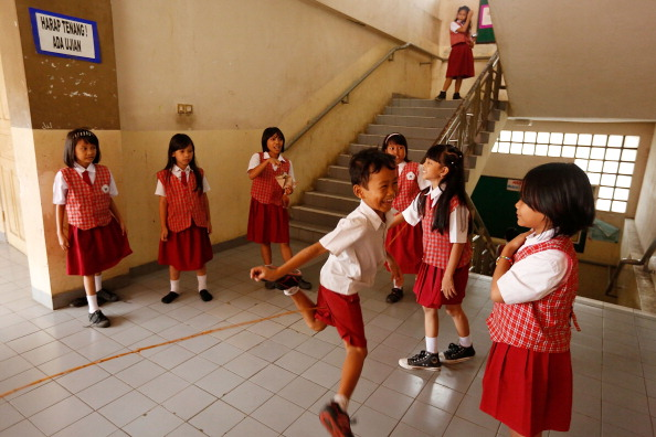 Ed Wray「Indonesian School Curriculum To Drop Science Classes To Increase Religon And Nationalism Studies」:写真・画像(19)[壁紙.com]