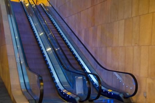 Escalator「Blue escalator」:スマホ壁紙(13)