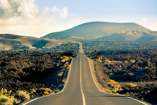 Spain「Road in Timanfaya National Park, Canary islands」:スマホ壁紙(10)
