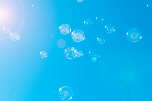 Art And Craft「Floating Bubbles」:スマホ壁紙(13)