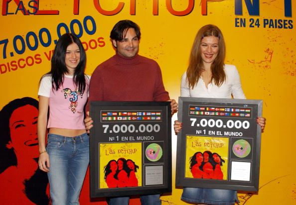 Condiment「Music Group Las Ketchup Receives Triple Platinum Disc」:写真・画像(19)[壁紙.com]