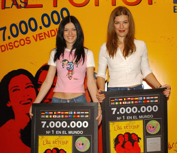 Condiment「Music Group Las Ketchup Receives Triple Platinum Disc」:写真・画像(15)[壁紙.com]