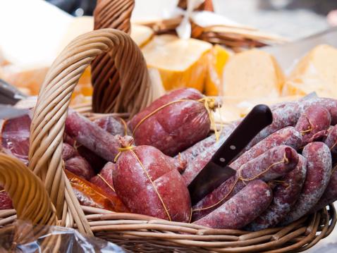 Buenos Aires「Salami and Cheese basket, Buenos Aires」:スマホ壁紙(12)