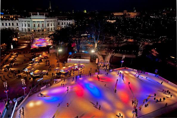 風景(季節別)「Ice Skating Rink At City Hall Square」:写真・画像(15)[壁紙.com]