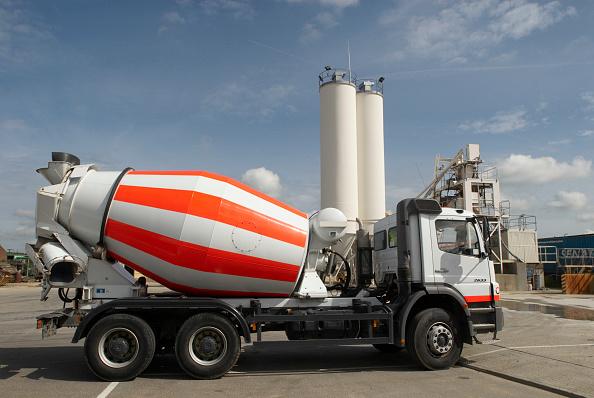 Cement「Cement mixer at cement works, Ipswich, Suffolk, UK」:写真・画像(16)[壁紙.com]