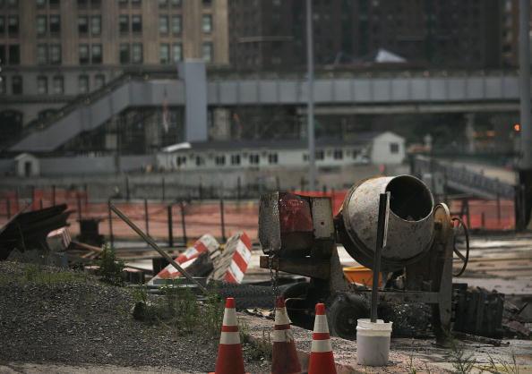 Cement「Heavy Equipment Operators' Strike Halts WTC Construction」:写真・画像(6)[壁紙.com]
