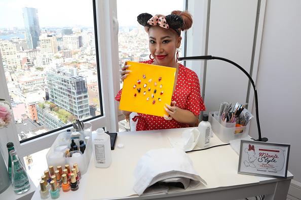 ミニーマウス「Minnie Mouse 90th Anniversary Celebration」:写真・画像(17)[壁紙.com]