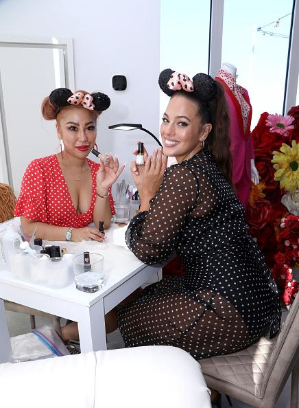 ミニーマウス「Minnie Mouse 90th Anniversary Celebration」:写真・画像(13)[壁紙.com]
