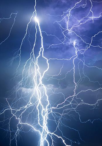 Thunderstorm「Lightning during summer storm」:スマホ壁紙(16)