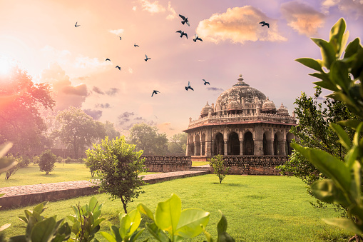 UNESCO World Heritage Site「Tomb of Isa Khan at Humayun's Tomb, Delhi, India- CNGLTRV1109」:スマホ壁紙(6)