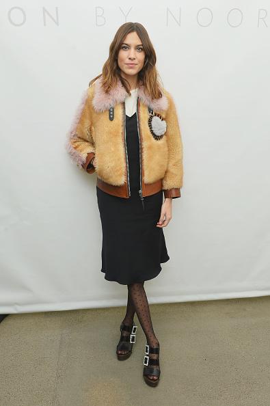 ニューヨークファッションウィーク「Noon By Noor - Backstage - February 2018 - New York Fashion Week: The Shows」:写真・画像(19)[壁紙.com]