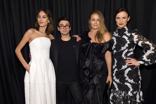 アリシア・シルヴァーストーン「Christian Siriano - Front Row - February 2017 - New York Fashion Week: The Shows」:写真・画像(0)[壁紙.com]