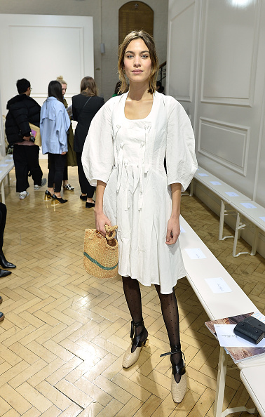 London Fashion Week「Front Row & Arrivals: Day 2 - LFW February 2017」:写真・画像(12)[壁紙.com]