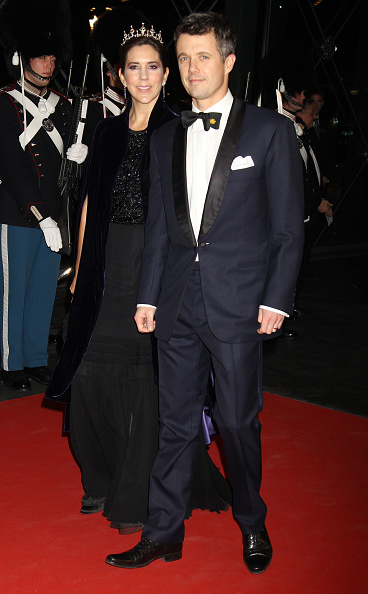 Two People「Queen Margrethe II of Denmark Celebrates 40 Years on The Throne - Gala Performance」:写真・画像(18)[壁紙.com]