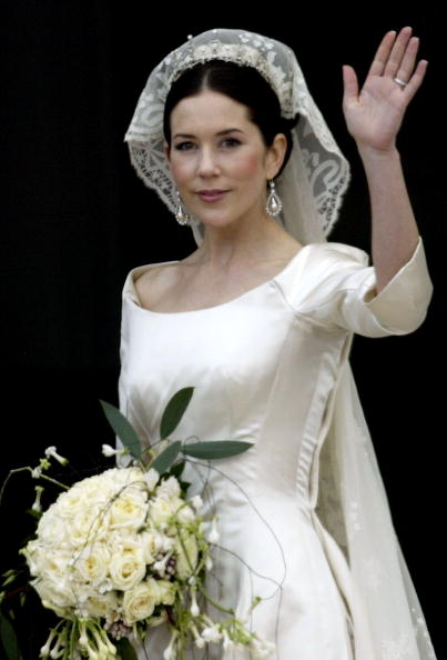 Wedding Dress「Wedding Of Danish Crown Prince Frederik and Mary Donaldson」:写真・画像(6)[壁紙.com]