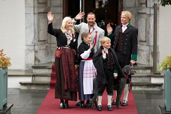 Crown Prince「The Norwegian Royal Family Celebrate National Day In Oslo」:写真・画像(6)[壁紙.com]
