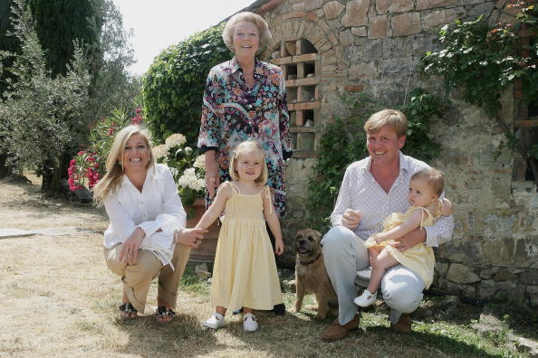 Dutch Royalty「Photocall for Dutch Royal Family on vacation in Italy」:写真・画像(1)[壁紙.com]