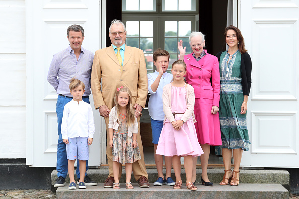 Prince - Royal Person「Annual Summer Photocall For The Danish Royal Family At Grasten Castle」:写真・画像(13)[壁紙.com]