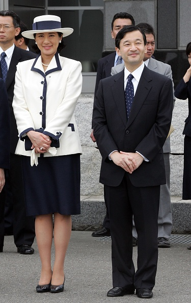 Emperor Akihito「Emperor Akihito And Empress Michiko Leave For Singapore And Thailand On An Eight-Day Official Visit」:写真・画像(4)[壁紙.com]