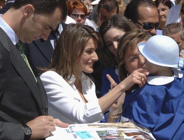 Carlos Alvarez「Spanish Royals Attend Opening Of Madrid Book Fair」:写真・画像(16)[壁紙.com]