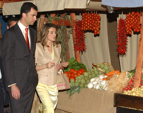 Eating「Spanish Royals Make Official Visit To Baleares Islands - Day Two」:写真・画像(19)[壁紙.com]