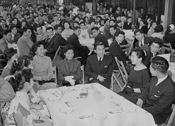 Emperor Akihito「Leaving Gakushuin University」:写真・画像(18)[壁紙.com]