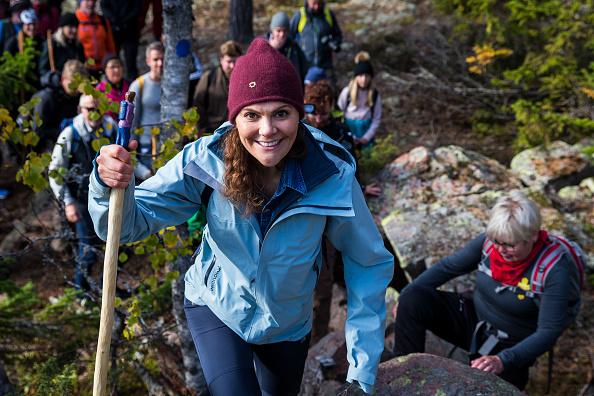 Hiking「Crown Princess Victoria of Sweden Hikes at Skuleskogen National Park」:写真・画像(15)[壁紙.com]