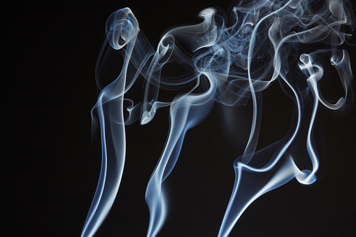 Growth「Three Lines of Smoke Flowing Upward」:スマホ壁紙(18)