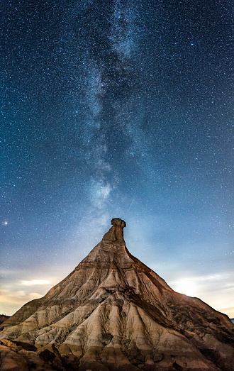 Milky Way「cabezo de Castildetierra in Las Bardenas reales desert at night with milky way」:スマホ壁紙(0)