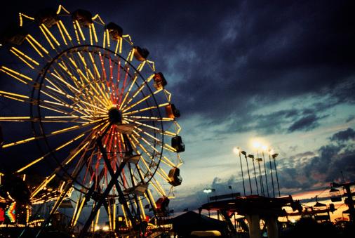Ferris Wheel「Lit up ferris wheel at night」:スマホ壁紙(10)