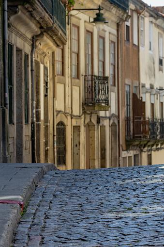 バケーション「Back street in Porto」:スマホ壁紙(3)