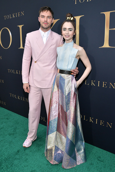 """Multi Colored Dress「LA Special Screening Of Fox Searchlight Pictures' """"Tolkien"""" - Red Carpet」:写真・画像(7)[壁紙.com]"""