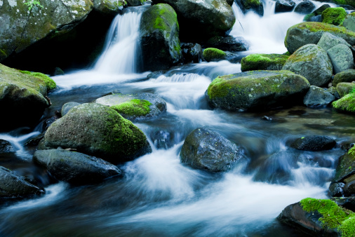 Waterfall「Mountain Stream」:スマホ壁紙(1)