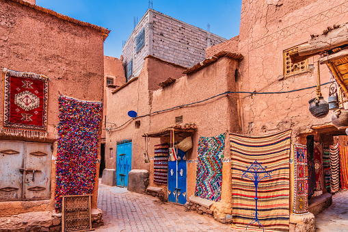 Fez - Morocco「Handmade carpets and rugs in Morocco」:スマホ壁紙(1)