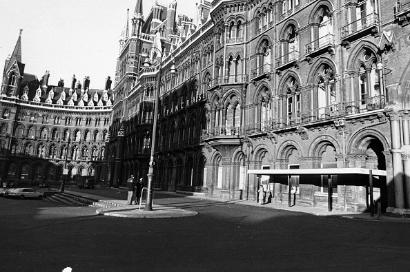 John Minihan「St Pancras Station」:写真・画像(2)[壁紙.com]