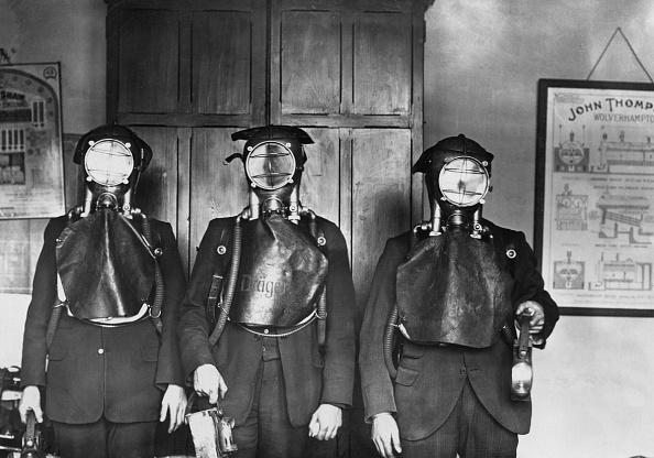 Industry「Smoke Helmets」:写真・画像(17)[壁紙.com]
