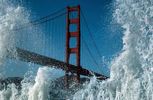 Splashing「Golden Gate Bridge, City of San Francisco, State of California, USA」:写真・画像(11)[壁紙.com]