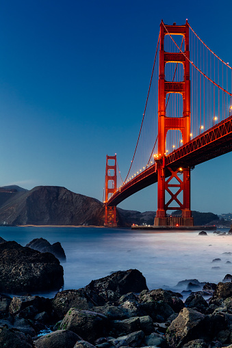 Headland「Golden Gate Bridge, San Francisco, at sunset」:スマホ壁紙(18)