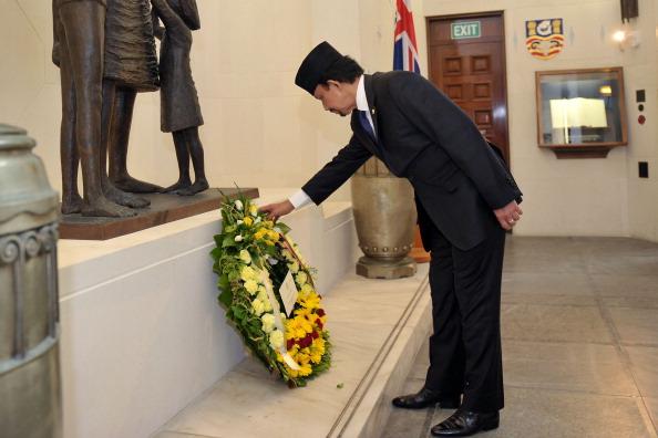 National War Memorial「Sultan Of Brunei Visits New Zealand - Day 2」:写真・画像(11)[壁紙.com]