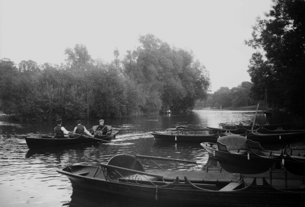Embankment「Rowing Boat On River Thames」:写真・画像(12)[壁紙.com]