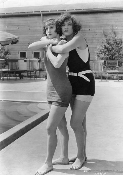 水着「Bathing Belles」:写真・画像(11)[壁紙.com]