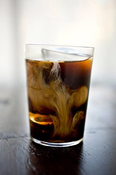 Coffee drink with cream:スマホ壁紙(壁紙.com)