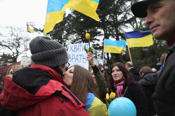 Chanting「Ukraine Crisis Continues As The Crimea Prepares To Vote In The Referendum」:写真・画像(16)[壁紙.com]