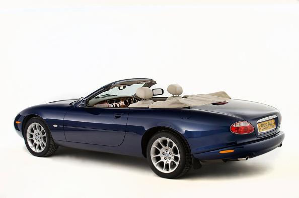 Finance and Economy「2001 Jaguar Xk8 Convertible 4.0 Litre.」:写真・画像(7)[壁紙.com]