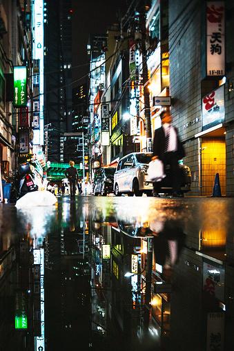 雨「反射、東京の街。」:スマホ壁紙(6)