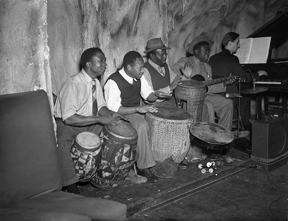 ドラマー「The West African Rhythm Brothers」:写真・画像(6)[壁紙.com]